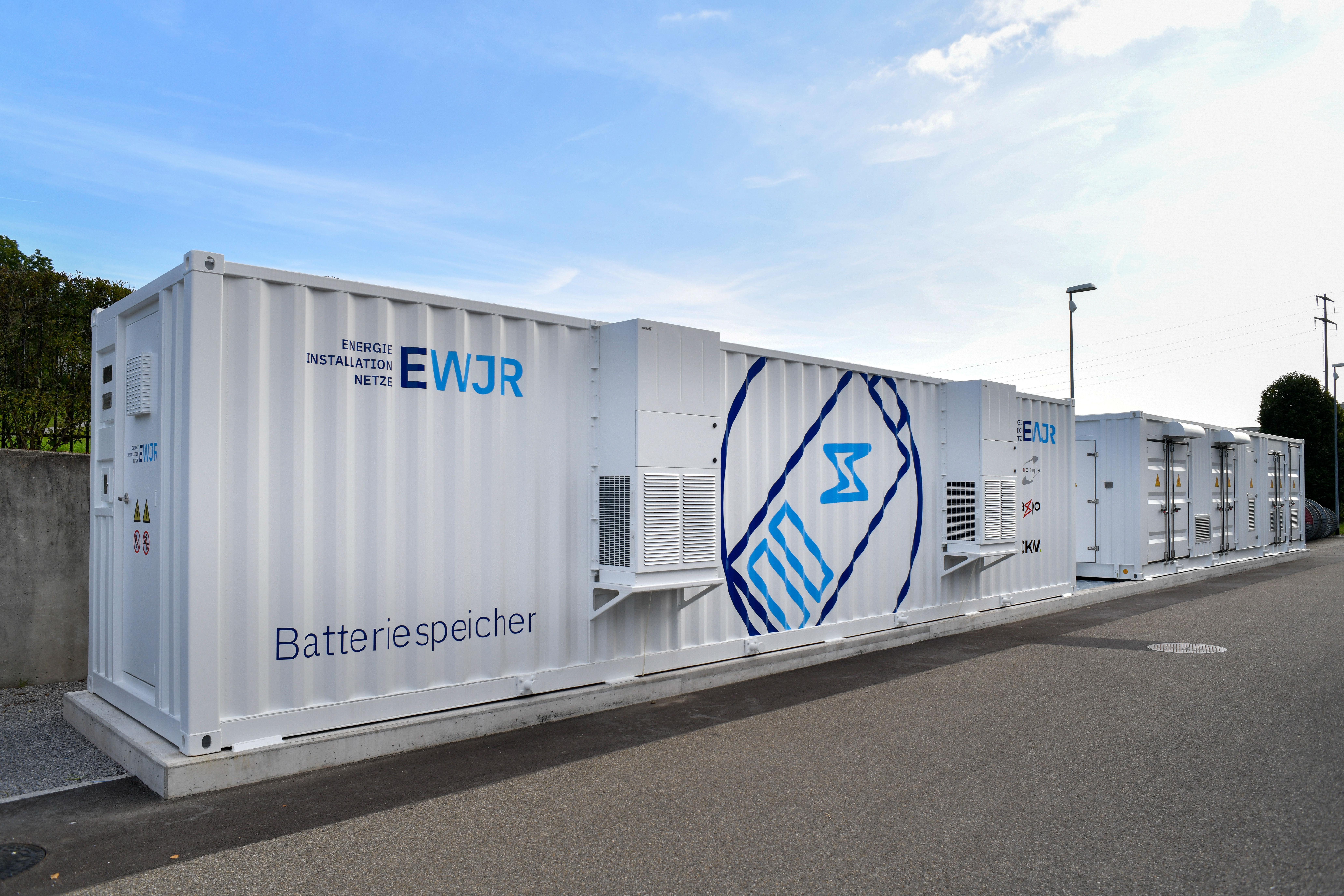 EWJR Batteriespeicher Beschriftet